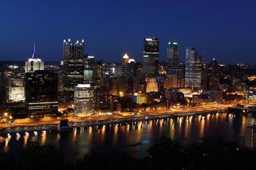 Pittsburgh's skyline from Mount Washington at night