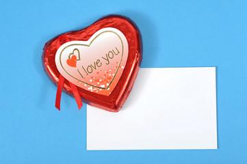 Liebesbrief mit Schokoladenherz