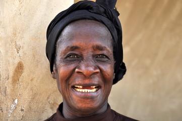 Eine schöne ältere Frau