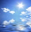 Sonniges Wetter über den Ozean