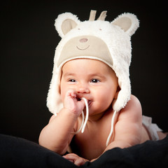 ????y baby in bear cap