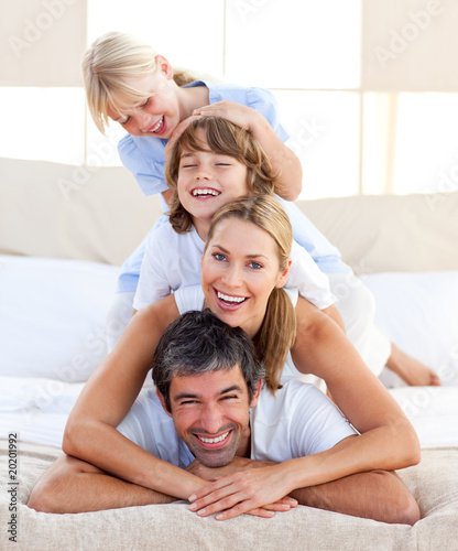 Happy family having fun - 20201992