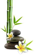 Frangipani-Blüten, zen Steinen und Bambus