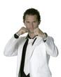 jeune homme au costume blanc 21
