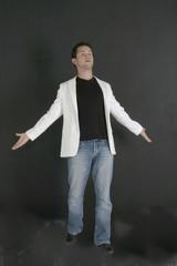 jeune homme à la veste blanche 39