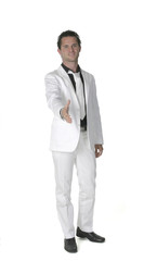 jeune homme au costume blanc 12