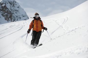 Ski, femme en hors piste, Areches, Savoie, Beaufortain