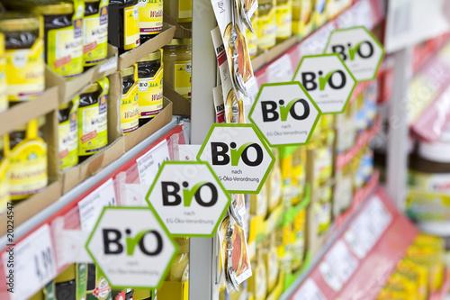 Bioprodukte im Supermarkt - 20224547