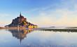 Leinwanddruck Bild - Dawn at Mont Saint Michel. France