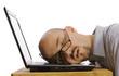 Angestellter auf Laptop eingeschlafen - 20307179