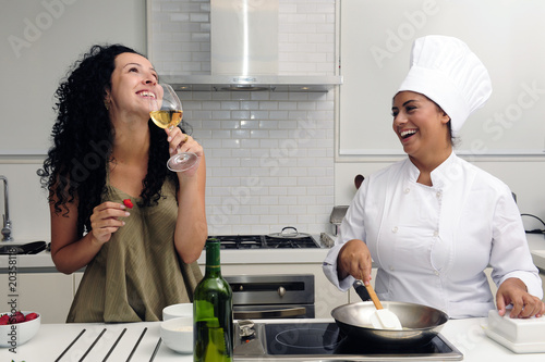 Cookery course: cooking and drinking wine