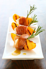 appetizer with grilled peach,
