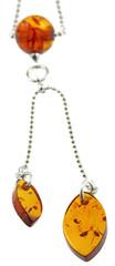collier pendentif argent ambre de la Baltique, fond blanc