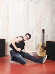 jeune chanteur en studio d'enregistrement