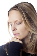 jeune femme solitude tritesse