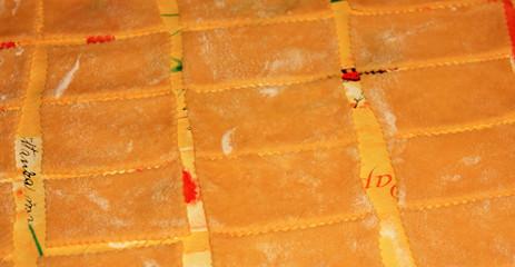 pâte à bugnes découpée