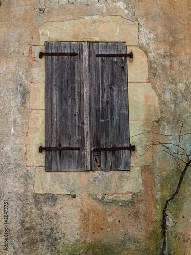 vieux volets en bois photo libre de droits sur la banque d 39 images image 20473751. Black Bedroom Furniture Sets. Home Design Ideas
