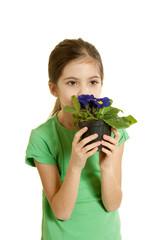 bambina odora un fiore