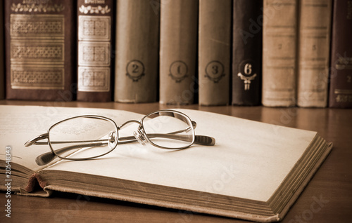 old books and glasses - 20548343