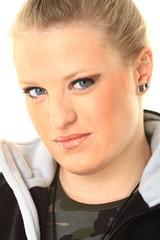 Portrait einer jungen sportlichen Frau