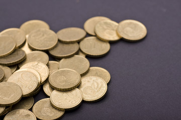 many currencies