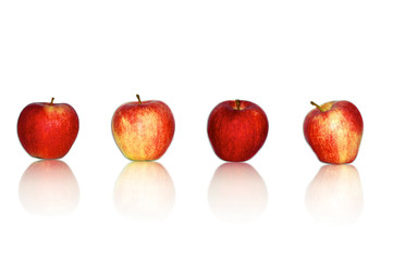 Rote Äpfel in Reihe
