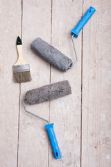 brush and rollers for painting walls