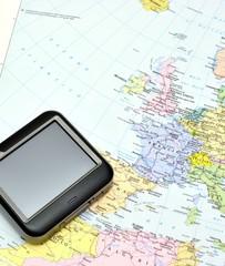 Navigatore GPS su cartina geografica