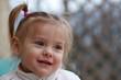 portrait de  bébé fille âgée de 19 mois