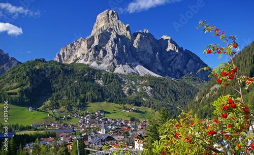 Leinwandbild Motiv - Bergfee : Corvara im Herzen von Südtirol