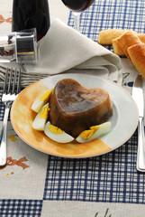 Gelatina di pollo con uova sode - Antipasti
