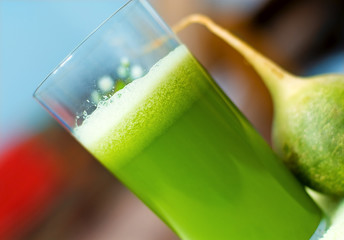 Fresh green cucumber-radish juice