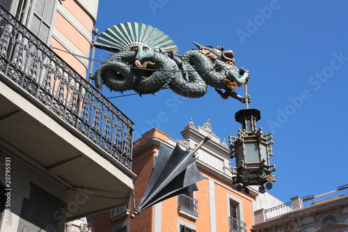 Dragon and umbrella of Casa Bruno Cuadros, Barcelona
