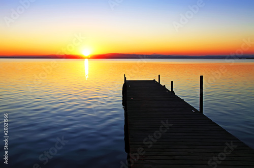 Deurstickers Pier camino hacia el sol