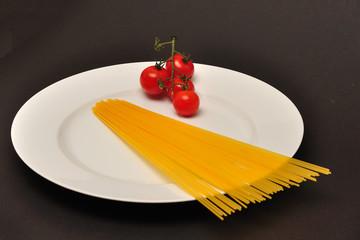 Spaghetti mit Tomaten