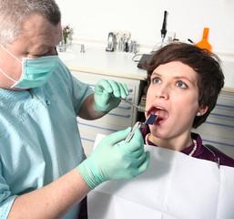 Okklusion beim Zahnarzt mit Patient