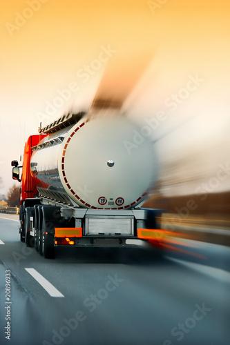 Fototapeten,lastkraftwagen,lastentransport,autobahn,schnelles auto
