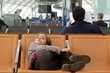 grosse fatigue dans le terminal de l'aéroport