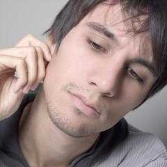 jeune homme solitude
