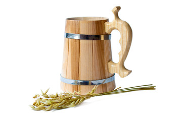 Wooden mug and rye