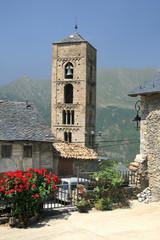 Iglesia en pueblo de montaña