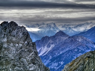 Berge in den Alpen in Hdr