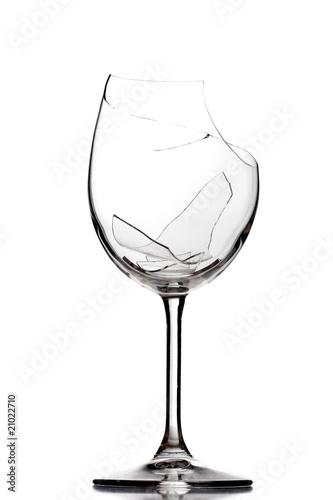 Leinwanddruck Bild broken wine glass