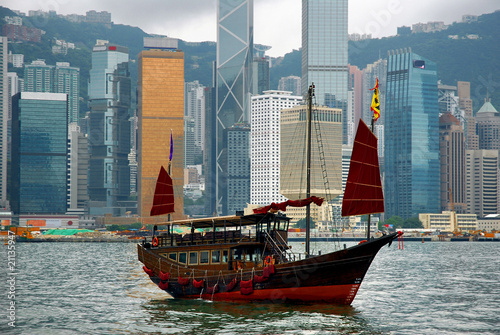 Foto op Canvas Hong-Kong China, junk in Hong Kong harbor