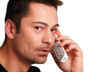 homme au téléphone