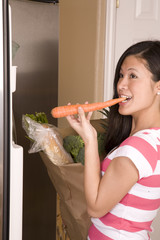 eating carrot fridge