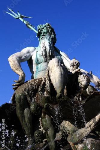 Leinwanddruck Bild Berlin, Neptunbrunnen