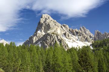 Berg in den Dolomiten in Südtirol