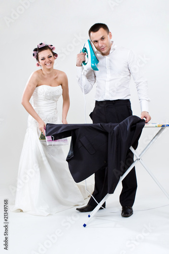 funny bride and and groom preparing to the wedding