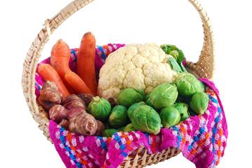 Panier de légumes bio fraîchement ramassés